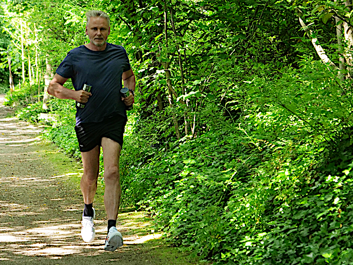 arooga Vitalität - Mann joggen