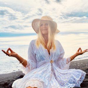 arooga Spiritualitaet - Frau in Meditation